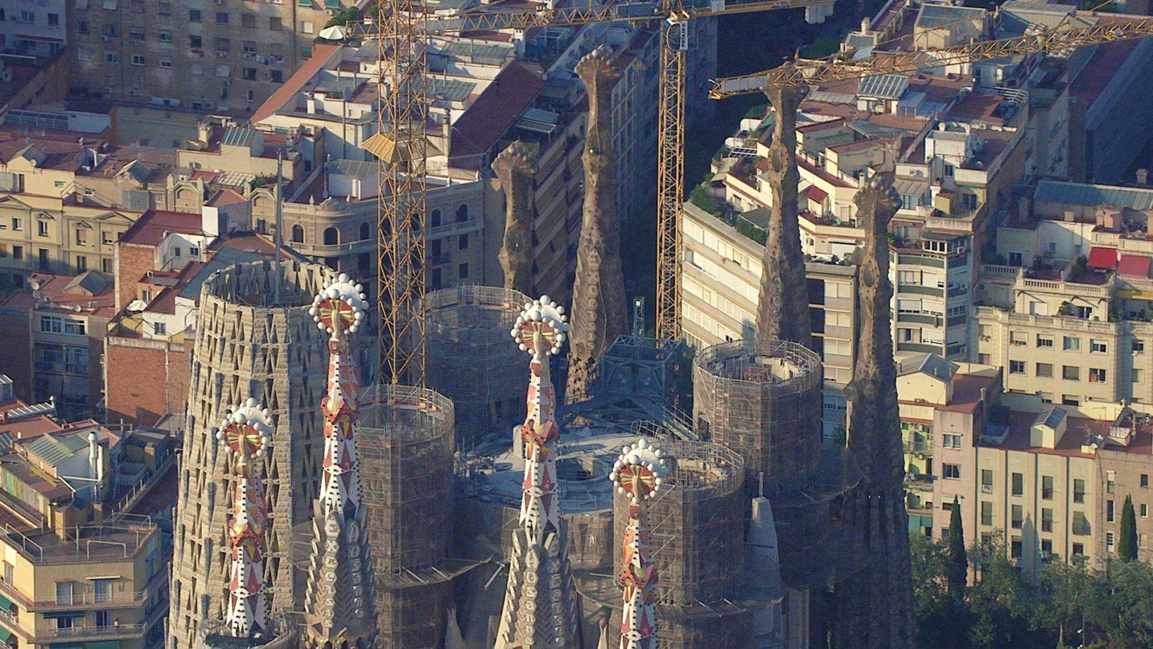 imagen aérea seguimiento de construcción